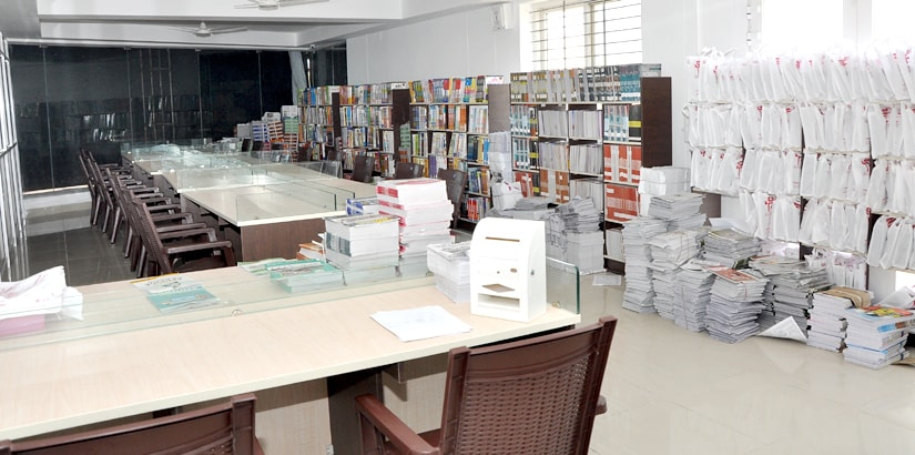RACE BANK AND SSC EXAM COACHING INSTITUTE - ERODE BRANCH - MATERIAL ROOM AND LIBRARY