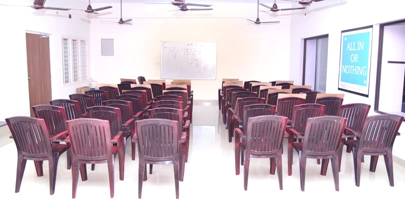 the best bank and ssc exam coaching institute in india - puducherry - classroom (2)-min