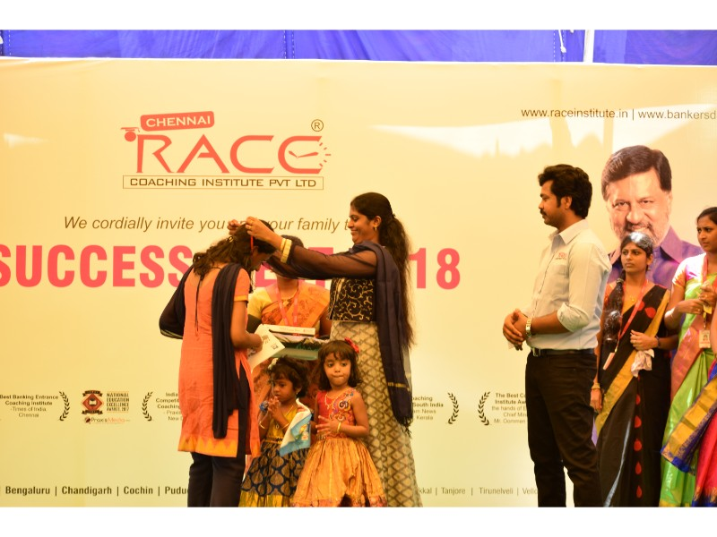RACE INSTITUTE - BANK SSC RAILWAY IBPS SBI CGL CHSL TNPSC KPSC EXAM COACHING - SUCCESS MEET 2018 (58)