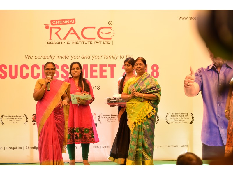 RACE INSTITUTE - BANK SSC RAILWAY IBPS SBI CGL CHSL TNPSC KPSC EXAM COACHING - SUCCESS MEET 2018 (62)